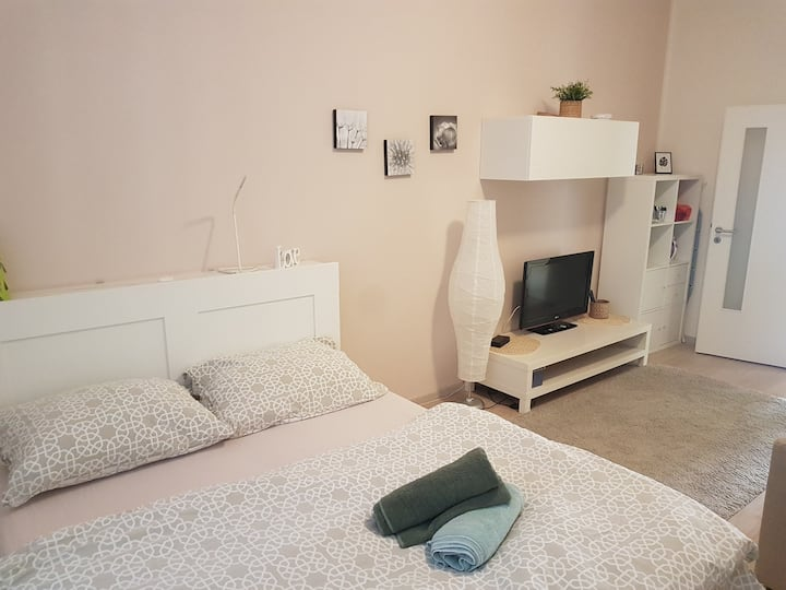 ***TOP Kavi apartments #2*** WIFI, TV, parking