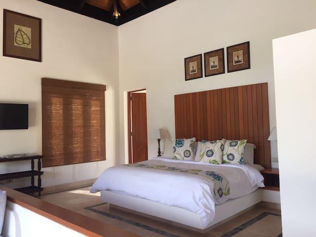 Villa pequeña 202 mts2 con piscina - Cap Cana - Casa