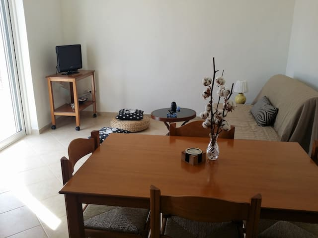 Small Country House for 4 in the Saronic Gulf! - Lagonisi - 度假屋