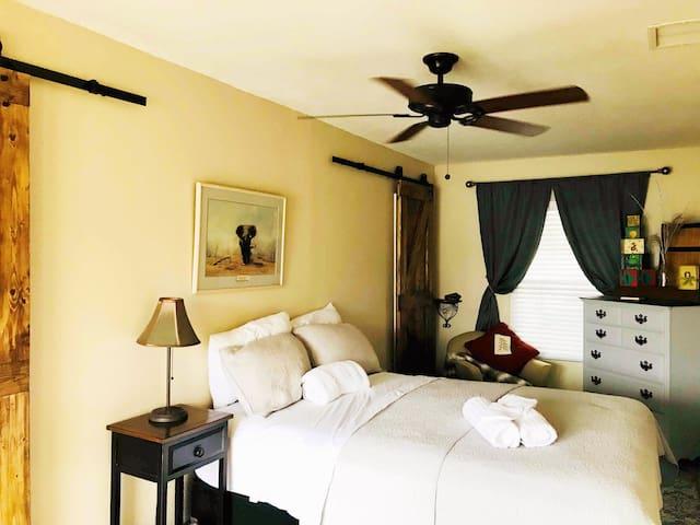 Bedroom #1 / Master