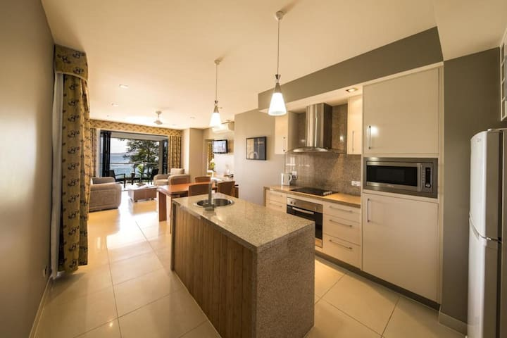 Quiet Apartment Two Bedrooms At Cairns