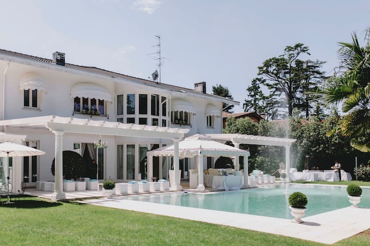 Villa with 7 bedrooms in Magnago, with private pool, furnished garden and WiFi
