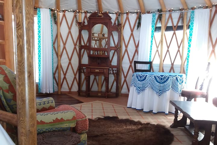 Sanctuary Farm Yurt Glamping with Breakfast