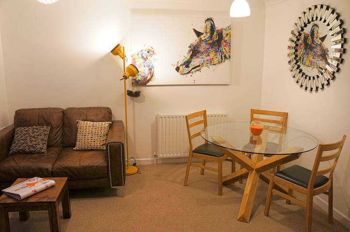 2BR Flat• Central Bournemouth •Beach• Free Parking