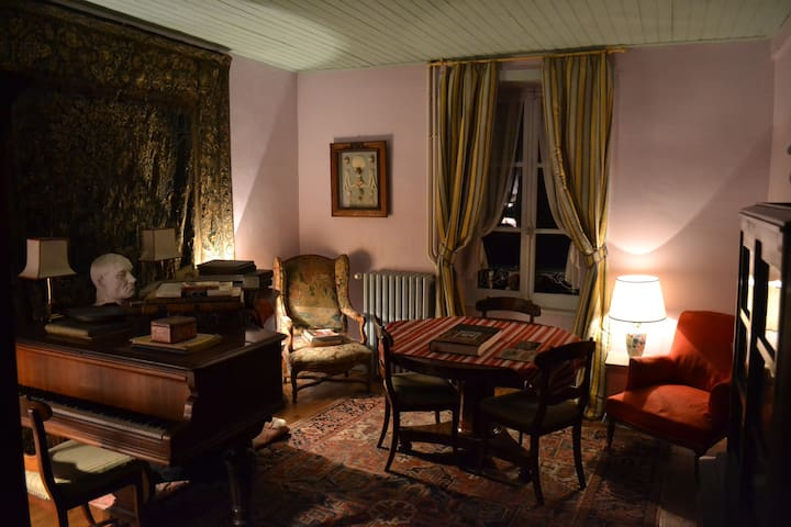 Elegant classic room near the Dordogne - Saint-Sylvain - Bed & Breakfast