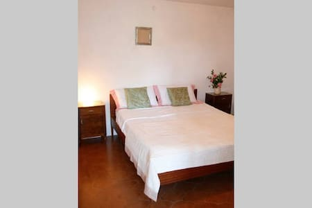 Casa Artista Tereglio Room 3 - Tereglio - Bed & Breakfast
