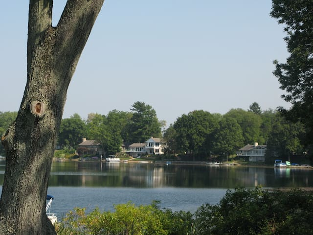 Beautiful lake home - Near New Buffalo - 3BD, 2BA