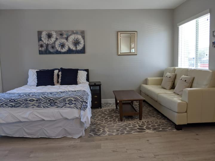 Relaxing space near LAX-BEACHES-HOLLYWOOD-DTLA