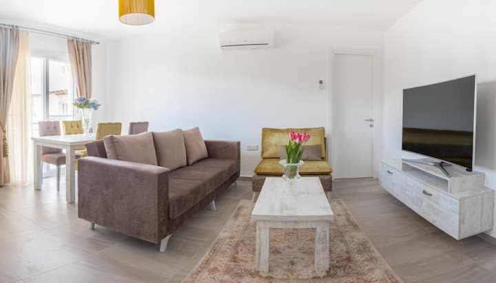 Parvati Apartment with Sea View