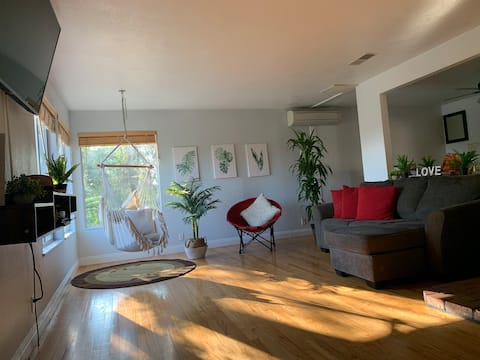Spacious and affordable home near downtown Redding
