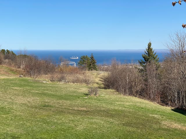 Observation Retreat on the Duluth Traverse - View!