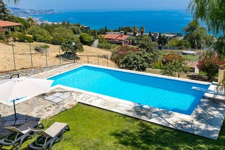 Sea view apartment2 + pool & garden