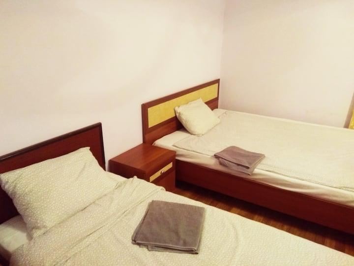 2- комнатная квартира для бригады 4-7 человек.