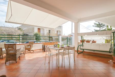 Semi-Detached with 2 bedrooms on 120m² in Triscina