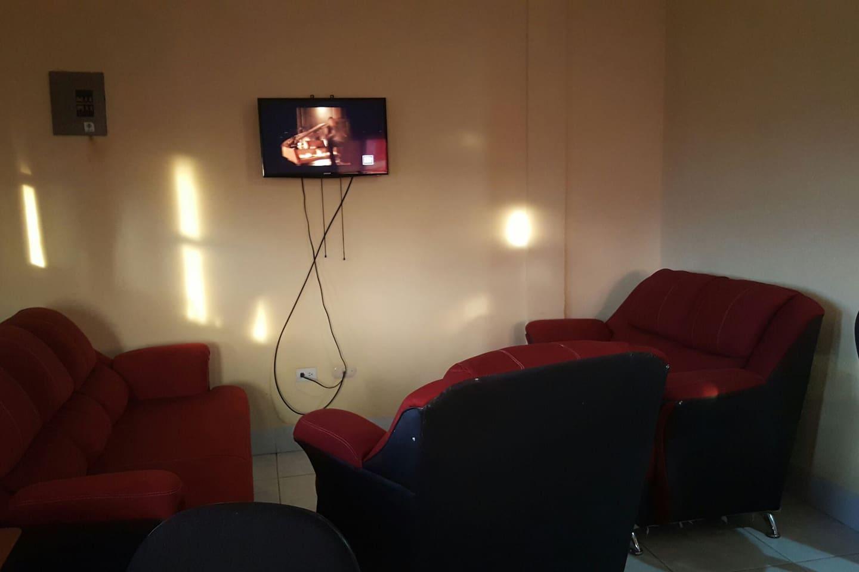 Sala compartida, con cable