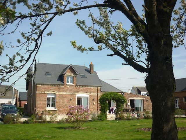 Great house in Picardie, France - Monchy-Lagache - Casa