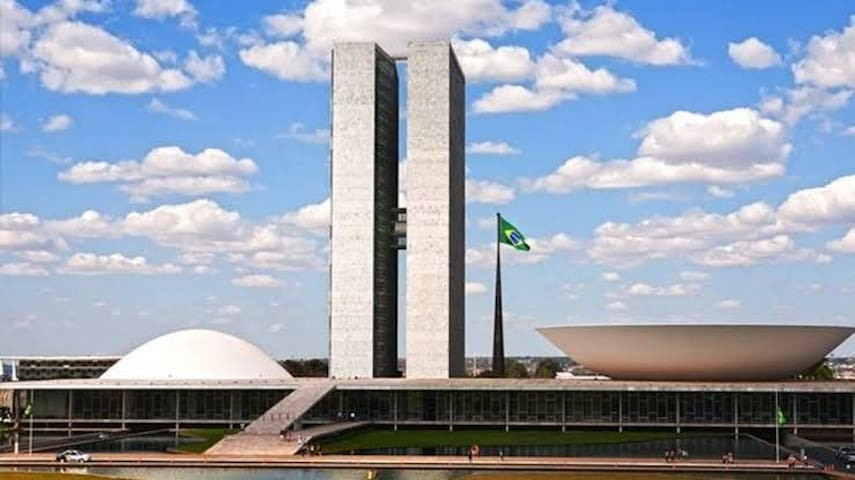 QUARTO  NO CENTRO DE BRASILIIA-