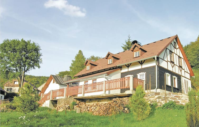 Holiday cottage with 2 bedrooms on 114m² in Kraslice