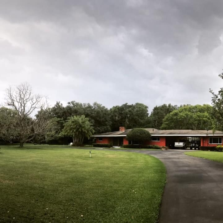 Lovely mid-century home w/ pool, 20min to UO & WDW