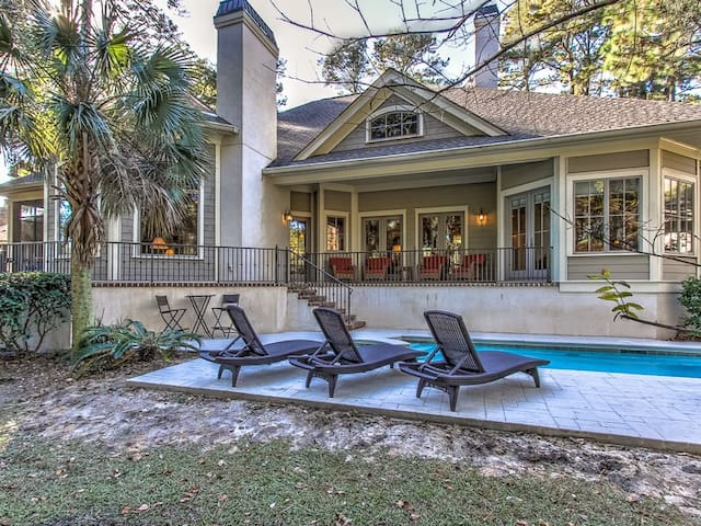 102 Baynard Cove Pool and Deck