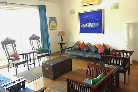 Nilaya - A blue hued cozy apartment near the beach - Varca - Daire