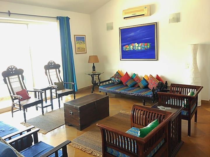 Nilaya - A blue hued cozy apartment near the beach