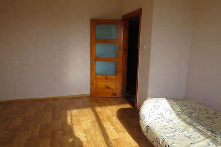 Сдам комнаты в просторной квартире