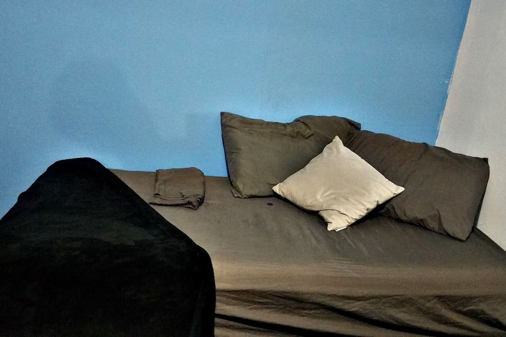 Bed 2 - Single / Twin size