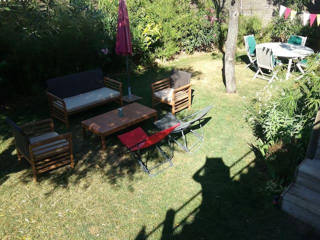 Jardin arboré (vrai pelouse)