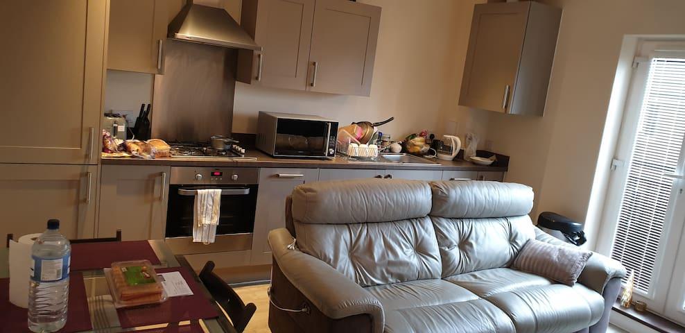 Single Room in a flat,hospitality guaranteed
