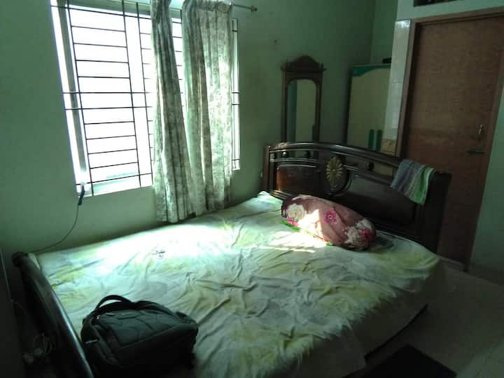 1bedroom for 2 person near gulshan-baridhara