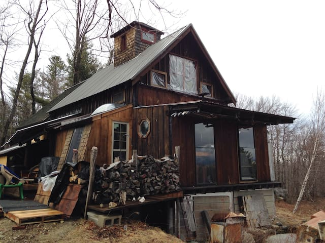 SKI/HIKE/Snowmobile/Snowshoe OFF GRID MTN CABIN