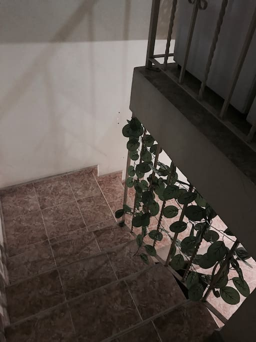 La habitación se encuentra en segundo piso
