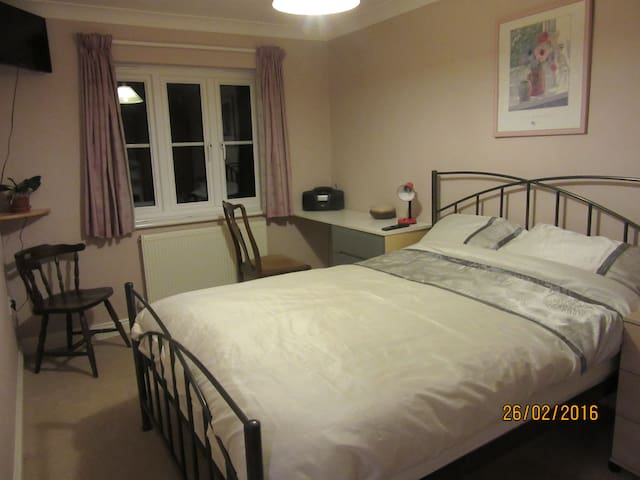 Double bedroom - Blandford - Dom