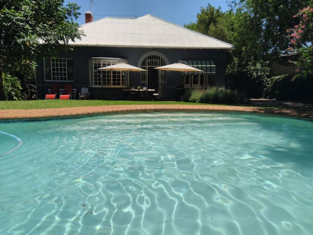 B&Best (Garden & Swimming Pool)