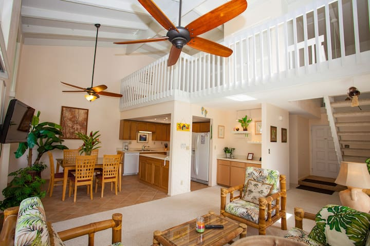 Tropical Princeville Townhouse! Great Location!