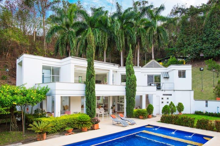Casa campestre a 90 min de Bogota - La vega - Vila