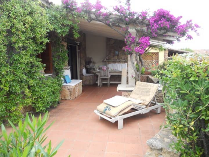 n. 9 wonderful corner house overlooking the sea,90m from the sea,with 2 bedrooms 1 bathroom and loft