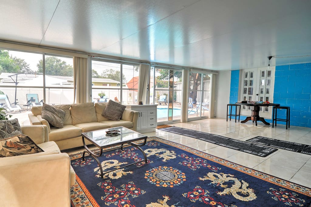 Step inside to find smooth-tiled floors, an expansive living space, and modern amenities.