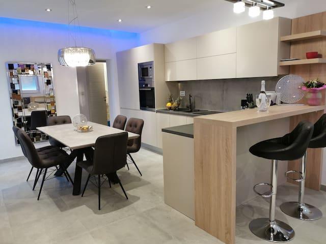 Kitchen&dining area