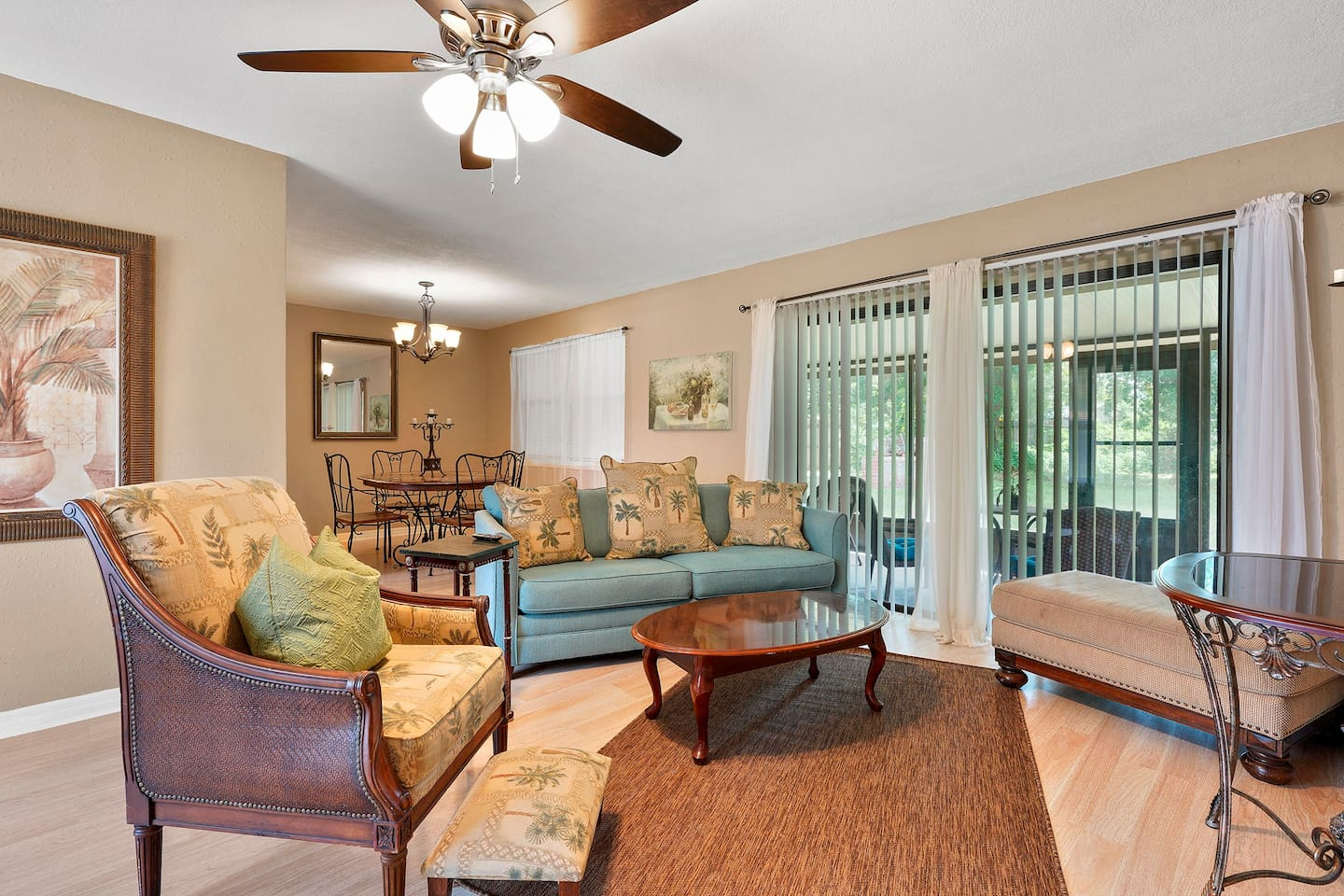 Enjoy relaxing in our beautiful private home in the heart of Jacksonville