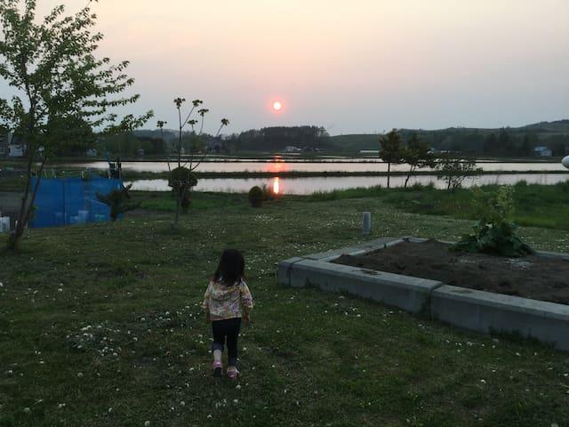 裏庭からの夕陽 sunset at backyard