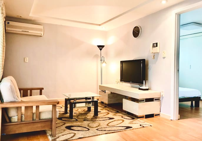 Cozy! Fancy! Wide! Entire Flat near COEX  강남구 삼성동