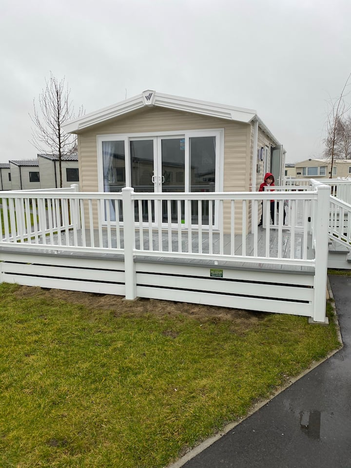 Brand New Two Bed Home Sleeps 6
