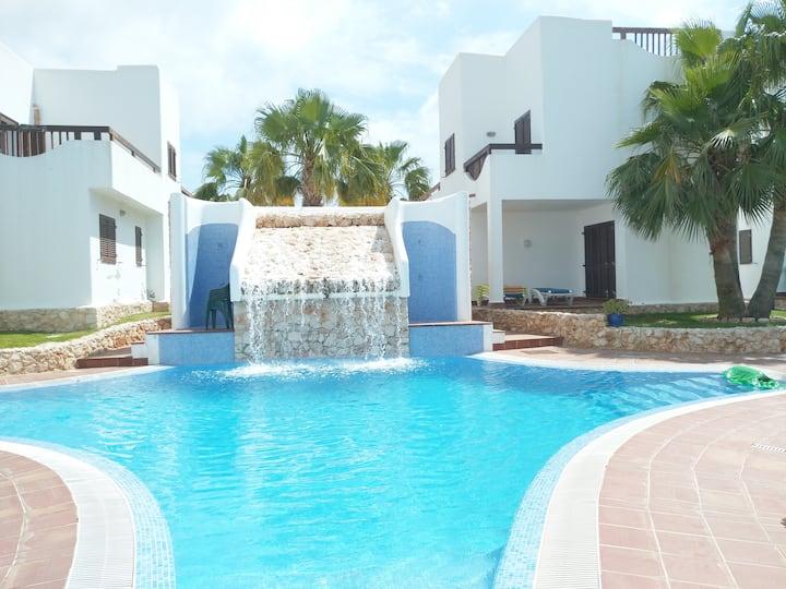 Casa 5 habitaciones, piscina comunitaria, wifi,..
