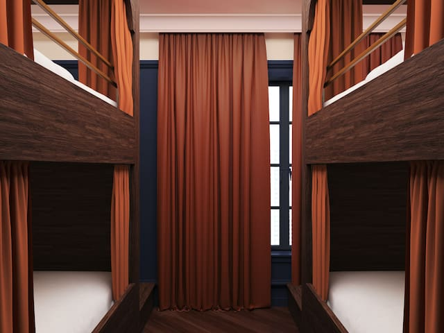 Quad Room in Boutique Hotel - Lower Highlands