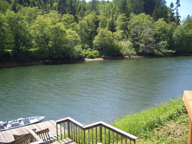 Siletz River Front Retreat