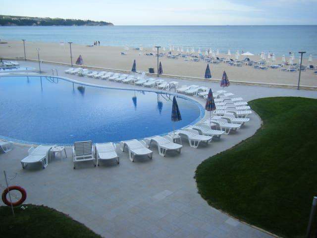 Herlig udsigt med mange pool, og restauranter