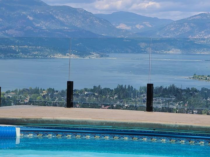 Stunning Lake & Mountain View - 2 Bedroom Getaway