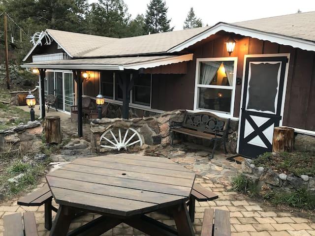Pine Mountain Cabins - Cabin (Studio & Bunkhouse)